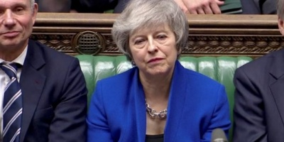 Theresa May superó la moción de censura y retiene el poder en Reino Unido