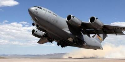 Aviones militares de los Estados Unidos llevarán más ayuda humanitaria a la frontera con Venezuela