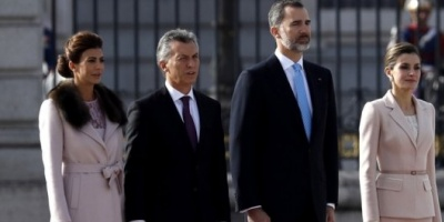Los reyes de España llegan a la Argentina en su primera visita de Estado al país