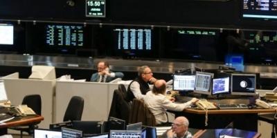 """Las acciones caen 4% en la Bolsa porteña y los ADR muestran baja moderada tras el """"jueves negro"""""""