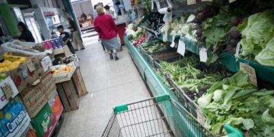 En mayo, una familia tipo necesitó tener ingresos de $ 30.337 para no ser pobre