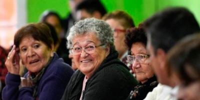 El Gobierno prorrogará por tres años la moratoria para que puedan jubilarse las mujeres que no completaron sus aportes
