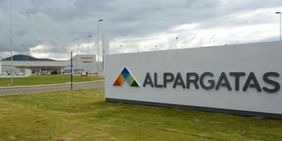 Alpargatas abandonó el negocio textil en la Argentina y sólo se queda con una planta de calzado en Tucumán