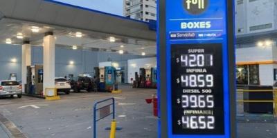 El Gobierno publicó el decreto que congela por 90 días el precio de los combustibles