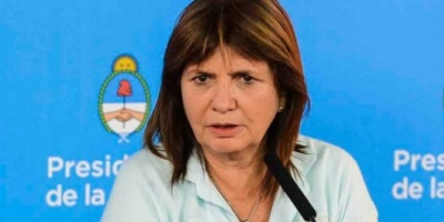 La ministra Bullrich defendió al policía que mató a un hombre de una patada