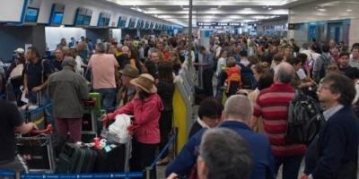 Otra vez los aeronáuticos: un paro sorpresivo dejó a más de 15.000 pasajeros varados en Ezeiza y Aeroparque