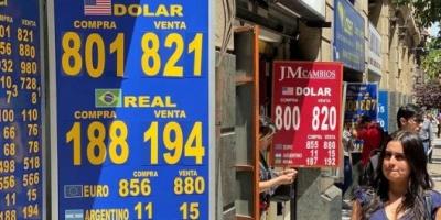 Tras el anuncio de reforma constitucional, el peso chileno cayó a su mínimo histórico frente al dólar