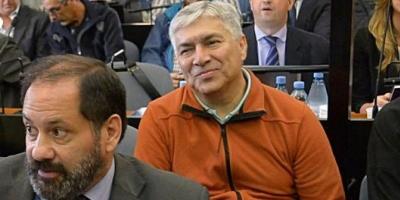 """El tribunal oral que juzga a Lázaro Báez por la ruta del dinero """"K"""" ordenó liberarlo, pero seguirá preso por otr"""