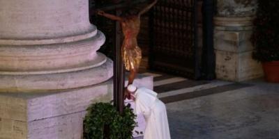 El papa Francisco otorgó una indulgencia por la pandemia del coronavirus