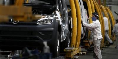 Dos millones de trabajadores recibirán la ayuda del Estado en los salarios que cobrarán este mes