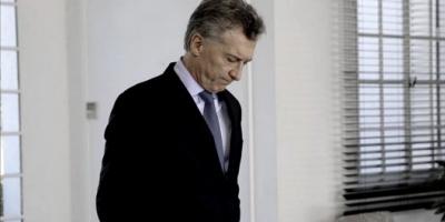 A Mauricio Macri le extirparon un tumor benigno del intestino y pasará la noche en el Sanatorio Otamendi