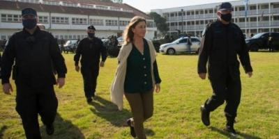 La ministra Sabina Frederic autorizó que un grupo de elite de la Policía Federal utilice las pistolas Taser