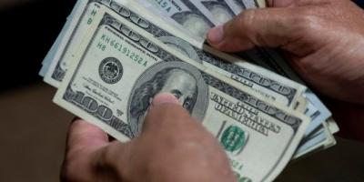 El dólar libre llegó a $195 y la brecha con el oficial alcanzó el 150%