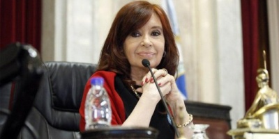 """Cristina Fernández: """"La apuesta de un gobierno de empresarios con Macri a la cabeza fracasó"""""""