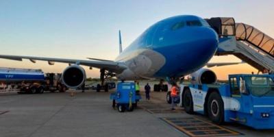 El avión de Aerolíneas con la segunda tanda de vacunas Sputnik V ya vuela hacia Buenos Aires