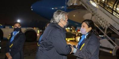 El Presidente emprendió el viaje de regreso a la Argentina