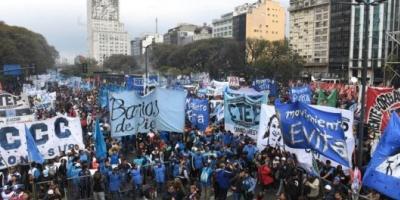 Los movimientos sociales anunciaron que marcharán a Plaza de Mayo en apoyo a Alberto Fernández